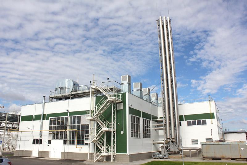 Энергетический комплекс на базе шести газопоршневых установок MWM типа TCG 2020 V12K и двух водогрейных котлов производства фирмы BUDERUS с двухтопливными горелками производства DREIZLER